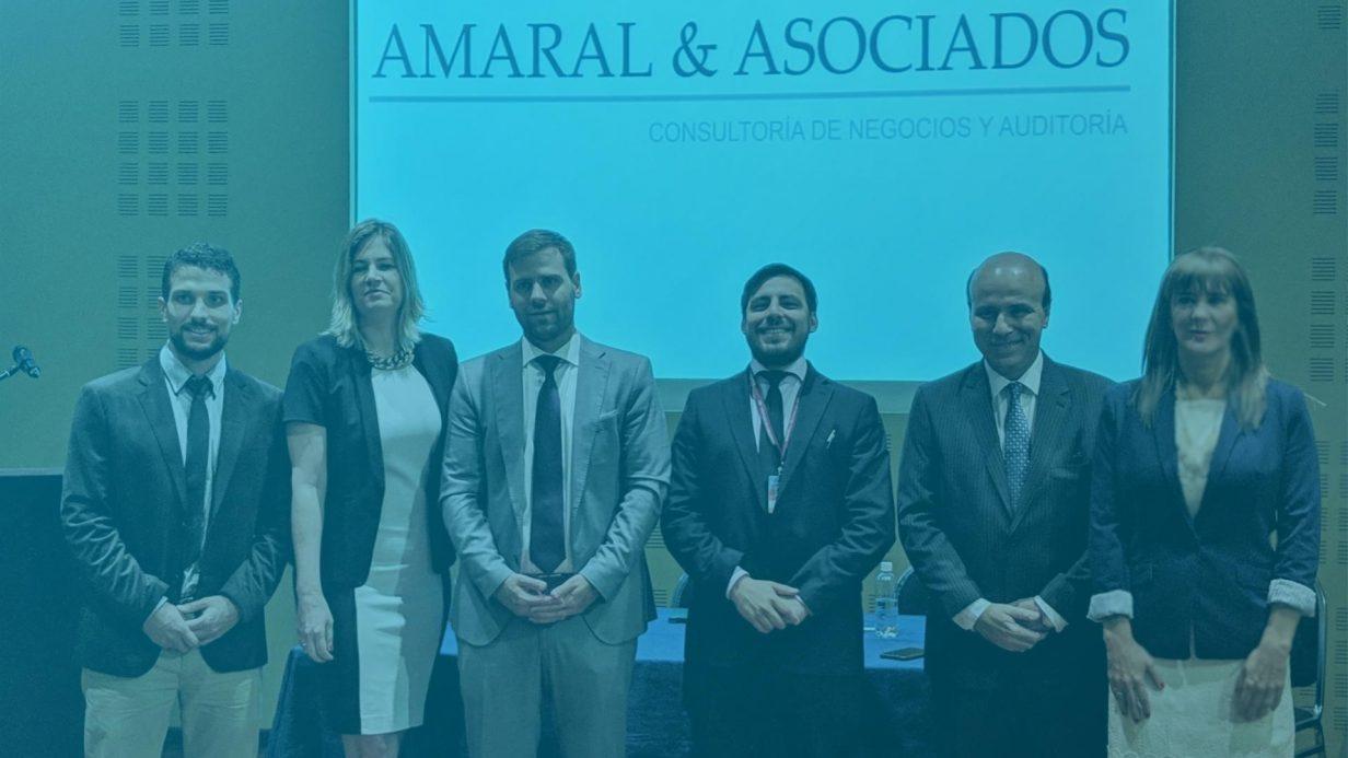 Foto de participantes de evento entre Amaral, la SET y Sicfe